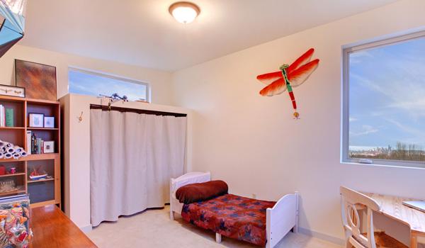 Well Organized Kid's Bedroom